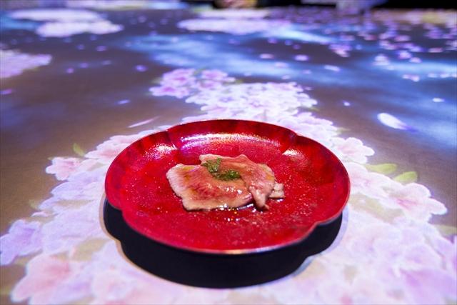 MoonFlower Sagaya Ginza, Art by teamLab~銀座で最先端の食事体験